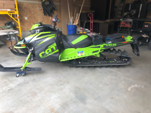 2018 Mountain Cat 800 and a Full Lotus 2018 Sled Deck