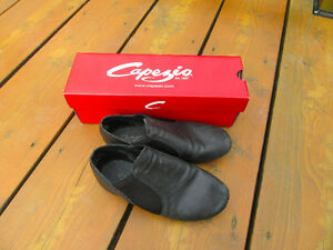 Chaussures de danse (jazz) garcon / dance shoes for boys (jazz) Gatineau Ottawa / Gatineau Area image 1