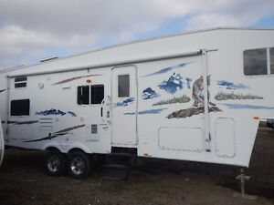 2006 WildCat 31 gbh Quad Bunk 5th Wheel