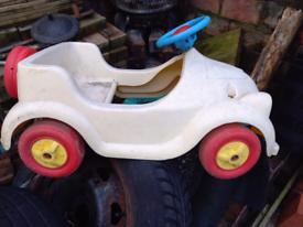 Vintage noddy pedal car