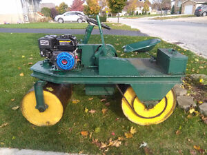 Ride on lawn roller