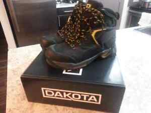 Dakota steeltoe work boots (size 10)
