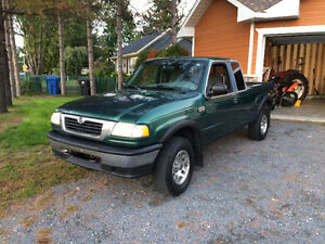 2000 Mazda B-Series Pickups B4000 4x4 Camionnette