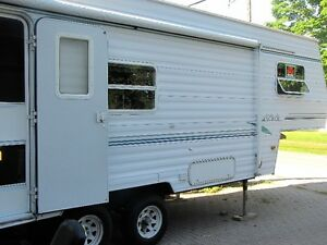 1999 Four Winds Lite 24ft, 5th wheel