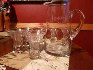 SMIRNOFF VODKA ETCHED GLASS PITCHER AND STEMLESS GLASS SET