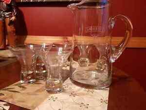 SMIRNOFF VODKA ETCHED GLASS PITCHER AND STEMLESS GLASS SET