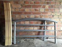 Single frame bed