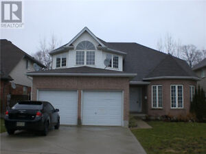 Fabulous Executive Home - Spacious 4+1BR home  minutes from 401