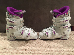 Nordica Girls Ski Boots