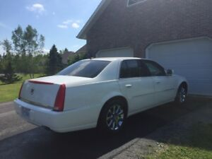 Cadillac DTS (Luxury) *Mint Condition*