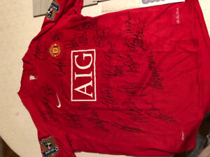 Manchester United 2010 full team signed jersey