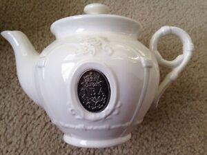Brand new tea pot Cambridge Kitchener Area image 1