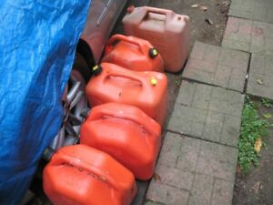 5 gas containers