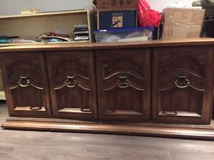 China Hutch  West Island Greater Montréal image 2