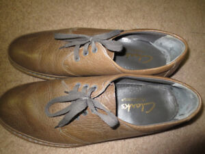 Size 13-14 Clarke's Wallabees leather shoes