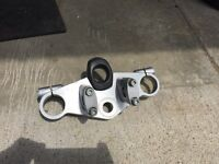 99-02 SV 650 Naked triple clamp