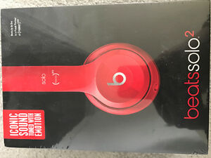 Beats by Dr. Dre solo 2's in red (Brand new)