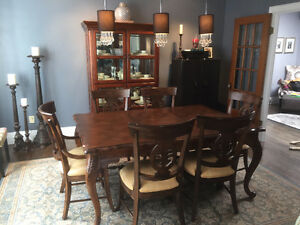 Antique style, high-end dining set