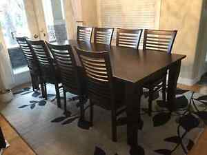 Beautiful dining set for sale moving
