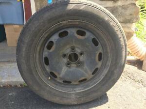 5 pneus d'été 15 po P195-60 R15 + jack et accessoires en option