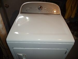 WHIRLPOOL DRYER IN MINT CONDITION CAN DELIVER