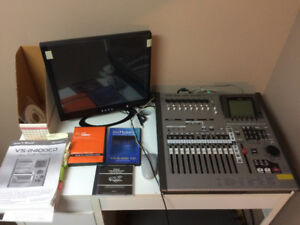 MUST SELL - ROLAND VS2400CD