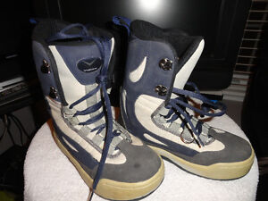 "Used Women & Youth ""Hemper"" Snowboard Boots Size 4 London Ontario image 2"