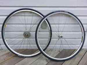 700 wheel set  with 8 speed cassette