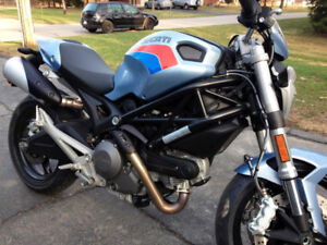 DUCATI 696 MONSTER ABS WITH EXTRA SET OF BODY ART