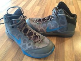 NIKE BASKETBALL BOOTS / TRAINERS