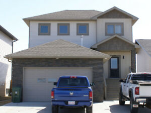 2 Storey Beauty in Beau Vista Bonnyville!