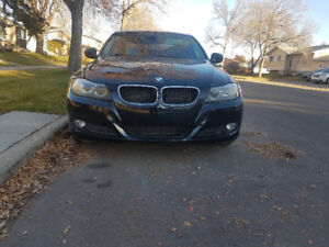BMW 328 XI , AWD, Excellent Condition,Fully Loaded.