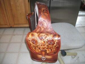 Sacoches de cheval en cuir ciselé véritable
