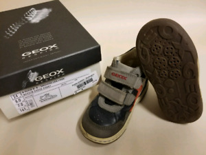 Geox Respira size 8 kids shoes