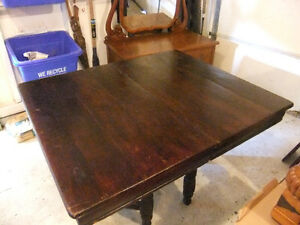 vintage rustic solid wood barn dining table, in good shape