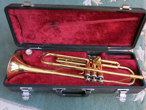 Yamaha Trumpet Model YTR 1335 - plays perfect
