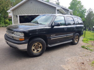 2001 Tahoe 4WD. VG cond Great for TOWING.