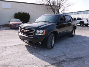 2010 Chevrolet avalanche LT 4X4 Super Clean