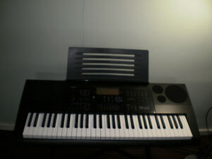 Casio CKT 6200 Keyboard and stand