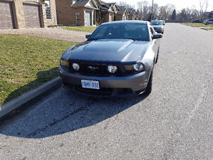 2011 Ford Mustang Gt track pack Coupe (2 door)