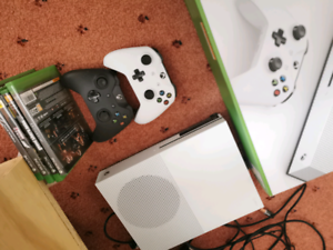 Xbox One S with Games Southbank Melbourne City Preview