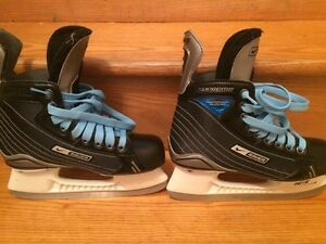 Size 5 skates. Used 8-10 times. Great shape!