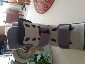 AIRCAST BOOT CAST