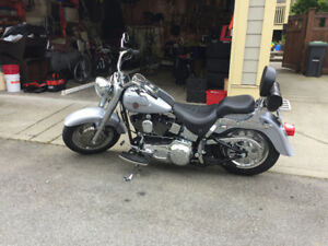 2002 HARLEY DAVIDSON FATBOY -LIKE NEW WITH LOW LOW KMS