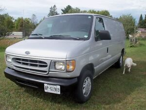 1998 Ford E-150 cargo Van  Only 87000 Kms