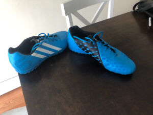 Mens Adidas X-ITE Turf (indoor) soccer cleats/size 10