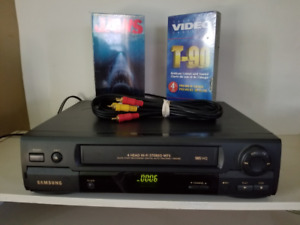 SAMSUNG 4 Head Hi-Fi Stereo HQ VCR BUNDLE!!!