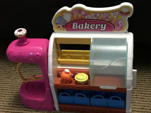 Shopkins Bakery Playset with 2 Figurines