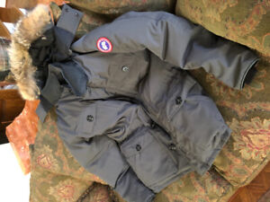 Canada Goose Men's Banff Padded Parka - Like New