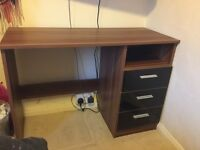 Wooden Desk With Gloss Draws